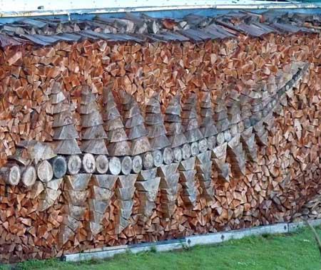 Дрова на даче: 10 красивых поленниц