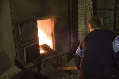 Как своими руками растопить печь. топка углем, дровами и торфом: правила, инструкции.