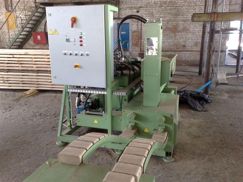 Гидравлический пресс для брикетирования отходов древесины (стружки и опилок). - оборудование - статьи - отходы и вторсырье